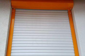 Alumínium redőny fehér-narancssárga színben