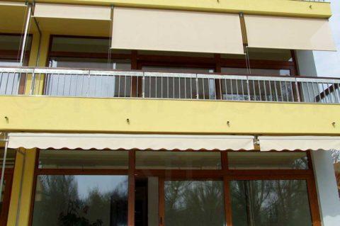 Függőleges napellenző erkélyen